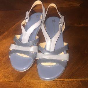 NWOT Naturalizer sandals N5contour light blue